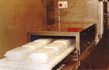 微波盒飯加熱殺菌設備