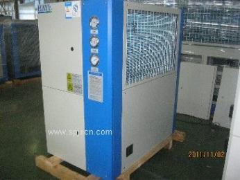 风冷箱型冷冻机组