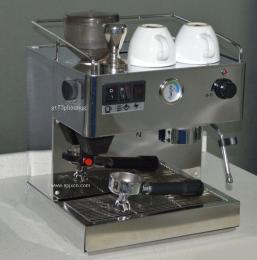 供应伊利娜EM19咖啡机带磨豆意式半自动咖啡机
