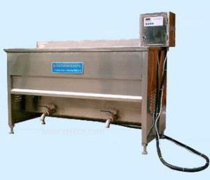生产鱼豆腐油炸机@鱼豆腐生产线@昊昌鱼豆腐切块机