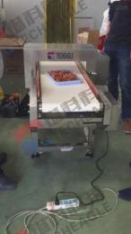 镒科TE-SMD-4015食品金属探测器,高精度快速检测排除含金属异物的食品