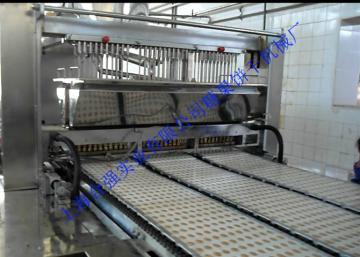 HQ-GD450型系列真空薄膜熬糖太妃糖浇注机组