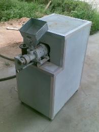 膨化机饲料加工设备家用型膨化饲料机 设计新颖