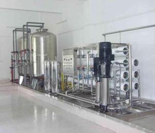 上海2吨医疗制药纯化水冰晶�P凰��出设备 上海知名纯化水设备生产商