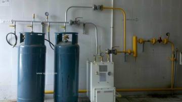 30KG的电热式气化器安装配置