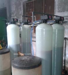 天津鑫东双机软化水设备