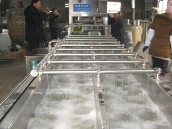 供应机械手气泡清洗机