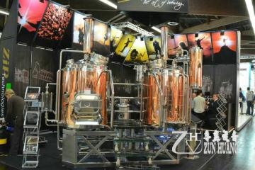 專業的釀酒生產廠家尊皇設備