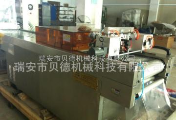 BD-420/520纸塑包装机该设备控制、伺服驱动、电气系统等采用国际知名品牌