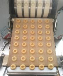 托盤配烤爐桃酥機 400型酥性桃酥餅干機
