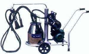XD、XB系列真空移动式奶牛挤奶机