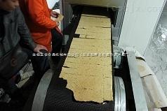 大米锅巴生产线,快餐锅巴机,米片烘烤线