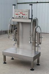 雙工位-QH-GZ-2美標桶雙頭啤酒灌桶機