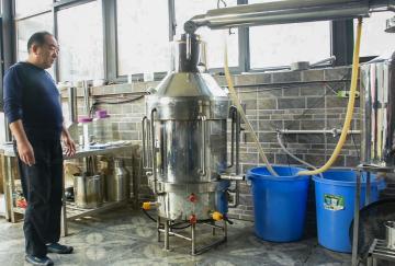 100型河南酿酒设备|大帝科技100型白酒厂家