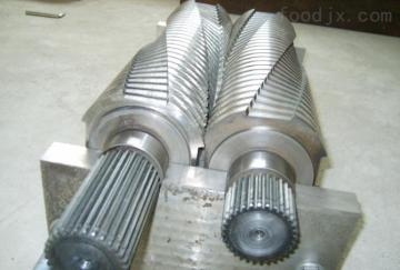 HY-800海南彩鋼瓦粉碎機、報廢彩鋼瓦撕碎機設備在線報價