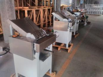 HC130  HC110生产供应湖南长沙节能静音压面机